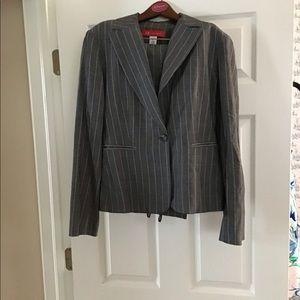 anne klein Women's Pant Suit Size 8.